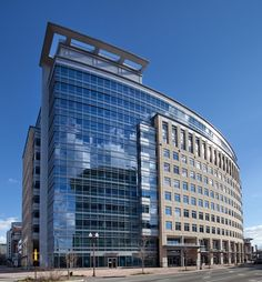 Piedmont Acquires 334 KSF Office Building for $ 176 Million