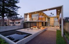 Concrete House Design in Modern Concept: Luxurious House Exterior Design Idea Equipped With Great Plan Applied In The Cresta House Design Id. Glass House Design, Modern House Design, Architecture Résidentielle, Contemporary Architecture, Contemporary Homes, Modern Homes, Modern Mansion, Modern Loft, Faia