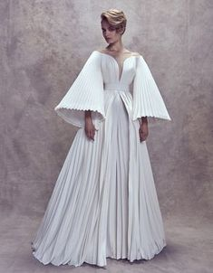 Couture Wedding Dresses by Ashi Studio Couture Mode, Couture Fashion, Couture Dresses, Fashion Dresses, Ashi Studio, Dresscode, Dress Vestidos, Look Fashion, Fashion Design