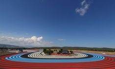 Este fin de semana, tras una semana de descanso, regresa el GP de Francia de F1 2021. Y es el... Hamilton, Ferrari, Baseball Field, Formula 1, Sports, Circuits, Racing, France, Ricard
