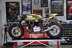 Ducati Cafe 31 by DesmoPro - http://www.returnofthecaferacers.com/2012/04/ducati-cafe-31-by-desmopro.html