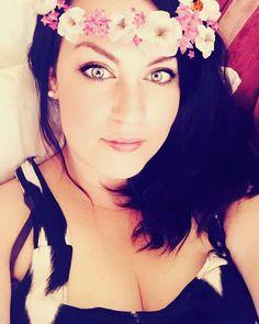 Me, Myself and I ��������#picoftheday #selfie #me #flowers#filter #mua #brunette #eyes http://ameritrustshield.com/ipost/1539291749272174368/?code=BVcqbDBDr8g