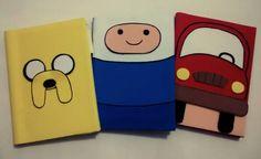 Cadernos confeccionados em e.v.a para meu sobrinho nos temas Hora de Aventura e Carro Vermelho.