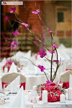 Kompozycja florystyczna na weselu na zamku | Composition for a wedding at the castle | Gustowne Wesele | Chic Wedding Poland