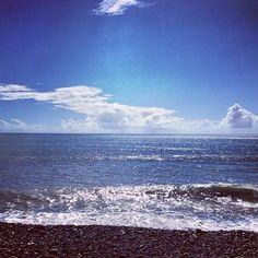 Just another day in #reunionisland #974 #indianocean #skyporn #cloudporn #wave #blue #black #horizon (at Front De Mer De Sainte Marie)
