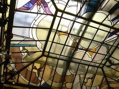 French Art deco: Détail du vitrail de la verrière. Bibliothèque Carnegie (Reims). France. 1928.