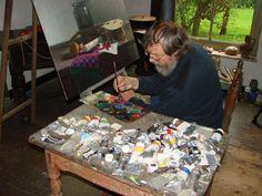 Henk helmantel schildert stillevens, kloosters en kerken. Zijn werk is te bezichtigen in museum de Weem. Museum 'De Weem' Abt Emopad 2 9922 PJ Westeremden Telefoon: 0596-551415