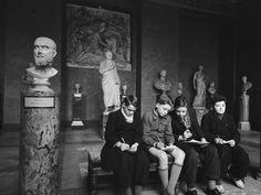 Paris 1953 The Louvre Photo: Dmitri Kessel
