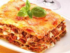 Quick And Easy Beef Lasagna Recipe Beef Lasagne, Lasagne Recipes, Pasta Recipes, Beef Recipes, Italian Recipes, Cooking Recipes, Lasagna Bolognese, Italian Menu, Italian Cafe