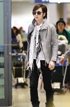 jang geun suk airport fashion