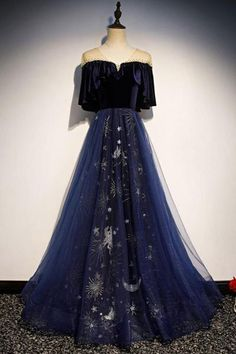 Blue Floral Print Tulle Long Satin V Neck Beaded Prom Dress, Formal . - Blue Floral Print Tulle Long Satin V Neck Beaded Prom Dress, Formal – Starry Night! Source by bestbargainfashion – Prom Dresses Blue, Pretty Dresses, Sexy Dresses, Strapless Dress Formal, Beautiful Dresses, Evening Dresses, Fashion Dresses, Prom Gowns, Summer Dresses