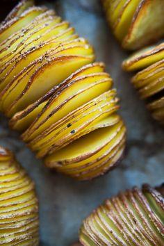Impreza bez mięsa? Żaden problem! Mnóstwo pomysłów na 100% roślinne dania i przekąski idealne na gorącą imprezę! Slow Food, Impreza, Baked Potato, Muffin, Potatoes, Baking, Dinner, Breakfast, Ethnic Recipes