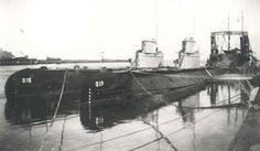 1932: Submarines O13 and O15