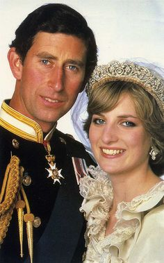 Prince Charles and Princess Diana official wedding photo.