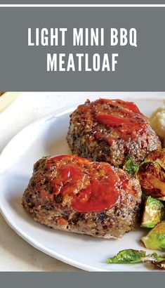 Easy Mini Meatloaf muffins are made with hamburger or ground turkey and topped with a delicious meatloaf sauce. they're easier and healthier than traditional meatloaf. Beef Meatloaf Recipes, Meatloaf Sauce, Bbq Meatloaf, Best Beef Recipes, Meatloaf Muffins, Popular Recipes, Slow Cooker Recipes, Low Carb Recipes, Crockpot Recipes