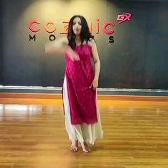Ballet Dance Videos, Hip Hop Dance Videos, Dance Workout Videos, Dance Choreography Videos, Dress Indian Style, Indian Fashion Dresses, Indian Designer Outfits, Indian Wedding Songs, Indian Wedding Outfits