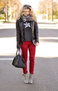 Love the subtle print pants  The entire look rocks