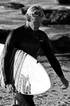 life at the beach house Surfer Boys, Soul Surfer, John John Florence, World Surf League, Professional Surfers, Surfer Style, Vintage Surf, Man Images, Surfs Up