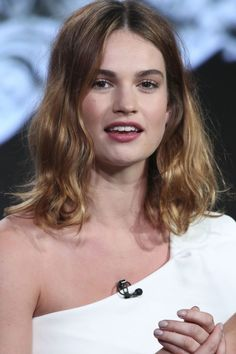 Summer Hairstyles 2016 - Lilly James Wave mid-length do Hair Styles 2016, Medium Hair Styles, Short Hair Styles, Lily James, Summer Hairstyles, Pretty Hairstyles, Hair Inspo, Hair Inspiration, Hair Fixing