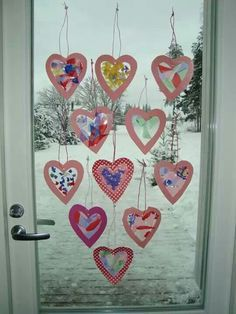 Bildresultat för ystävänpäivä askartelua lapsille Valentine's Day Crafts For Kids, Valentine Crafts For Kids, Mothers Day Crafts, Valentine Day Crafts, Toddler Crafts, Diy For Kids, Holiday Crafts, Diy And Crafts, Arts And Crafts