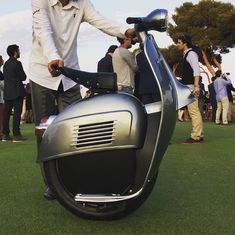fb5d4d433c The first self-balancing one-wheel scooter!  tech  technology   worldofengineering  engineering  scooter  innovation  future  electric   vespa  vespas ...