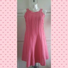 Pink Halter Top Dress Pink Halter Top Dress by Jessica Howard. The dress is 55% linen and 45% rayon. The lining is 100% polyester. It also has a zipper in the back Jessica Howard Dresses
