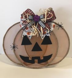 Splatter screen inspired by This Southern Girl Can and Keeping it Simple DIYs. Autumn Crafts, Thanksgiving Crafts, Holiday Crafts, Holiday Fun, Halloween Wood Crafts, Fall Halloween, Halloween Jars, Halloween Ideas, Pumpkin Crafts