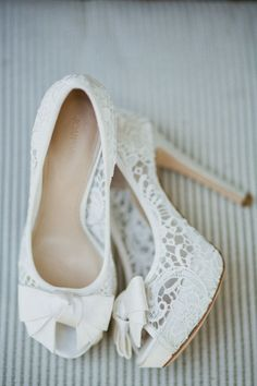 Simply Cute White Lace Wedding Heels