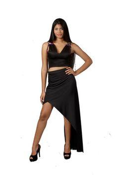 Conjunto de falda asimetrica de lycra y top de lycra/microfibra de la diseñadora venezolana Bancy de la colección Powerosa