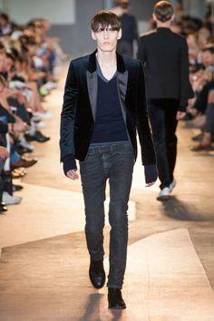 MMU S/S 2015 - Diesel Black Gold See all fashion show at: http://www.bookmoda.com/?p=17072 #summer #SS #catwalk #fashionshow #menswear #man #fashion #style #look #collection #milan #fashionweek #dieselblackgold @diesel