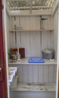 Lilla Tavelsjö: Utedass Outdoor Bathrooms, Outside Toilet, Rustic House, Box Houses, Outdoor Toilet, Composting Toilet, Outhouse Bathroom, Garage Guest House, Sweden House