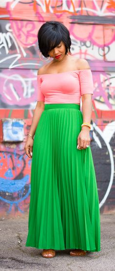 Pleated Green Skirt, Green Skirt, crop off shoulder top. Green Pleated Skirt, Pleated Skirts, Green Skirts, Skirt Outfits, Cute Outfits, Plus Zise, I Love Fashion, Steampunk Fashion, Cheap Fashion