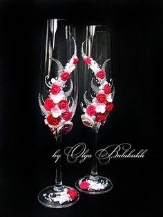 Coupes à Champagne de mariage avec belles roses en par ArtsLux