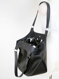 Jak uszyć dużą torebkę z podszewką, torebka z ekoskóry na ramię - wykrój krawiecki i tutorial