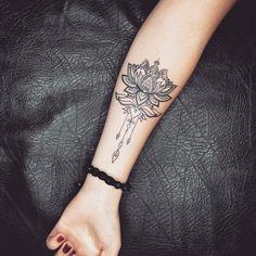 Modne Minimalistyczne Tatuaże Damskie Na Przedramieniu