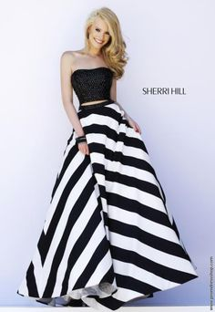 Shop prom dresses and long gowns for prom at Simply Dresses. Floor-length evening dresses, prom gowns, short prom dresses, and long formal dresses for prom. Beauty And Fashion, White Fashion, Evening Dresses, Prom Dresses, Formal Dresses, Dress Prom, Dresses 2016, Formal Prom, Looks Cool