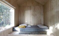 A Small Cabin in the Woods by Septembre Architecture Eine kleine Hütte im Wald von Septembre Architecture Bed Design, Home Design, Interior Design, Design Art, Architecture Parisienne, Scandinavian Cabin, Scandinavia Design, Summer Cabins, Casas Containers