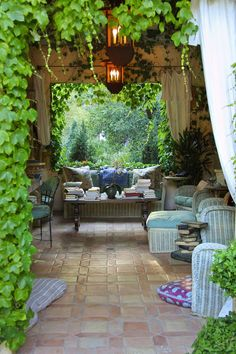 My patio?traditional landscape by Margie Grace - Grace Design Associates: Now that's a garden room! I could curl up with a book and stay all day. Outdoor Rooms, Outdoor Gardens, Outdoor Living, Outdoor Decor, Outdoor Seating, Outdoor Lounge, Outdoor Curtains, Indoor Outdoor, Outdoor Photos