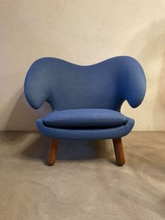 Pelican Armchair by Finn Juhl, 2000s for sale at Pamono 2000s, Chair Design, Benches, Stools, Designer, Armchair, Chairs, House, Furniture