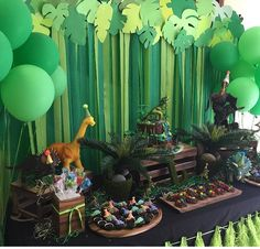 Dinosaur Greenery Backdrop Park Birthday, 5th Birthday Party Ideas, Fourth Birthday, Birthday Party Decorations, Dinosaur Party Decorations, Dinasour Birthday, Dinosaur Birthday Party, Festa Jurassic Park, Backdrops For Parties