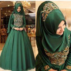 2018 Hijab Emerald Green Evening Dress and Engagement Models, www. Hijabi Wedding, Muslimah Wedding Dress, Hijab Wedding Dresses, Wedding Dress Trends, Modern Hijab Fashion, Abaya Fashion, Muslim Fashion, Fashion Dresses, Bridal Hijab