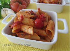 Se siete alla ricerca di un primo piatto super veloce e gustoso, ecco a voi: Pennoni alla pizzaiola con pomodori datterini. http://blog.giallozafferano.it/greenfoodandcake/pennoni-alla-pizzaiola-con-pomodori-datterini/