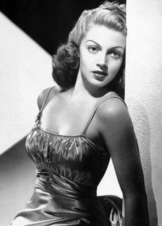 Pin Up Models: Elyse Knox