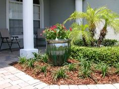 The Landscape Renovator's award winning landscape architecture company is your #1 source for plant and garden containers in Orlando, Central Florida.