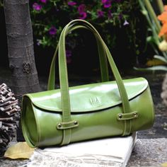 What an adorable, green bag!