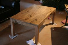 Table basse en noyer Dining Table, Furniture, Home Decor, Woodworking, Arredamento, Homemade Home Decor, Diner Table, Dinning Table Set, Home Furnishings