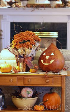Fall display. I love love love this!!!!!!! Need to find a gourd ASAP!!! And wonder if Hobby Lobby will have fake Indian corn for me to make that basket!!!!