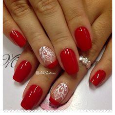 Instagram media by madahsantana - Nail's @Paula @vermelho lindo #naoéadesivo #tudofeitoamaolivre #madahsantana #manicure #nailartes ❤️