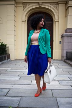 Curvy & color blocked