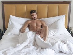 Mariano Di Vaio's Album: Interviews